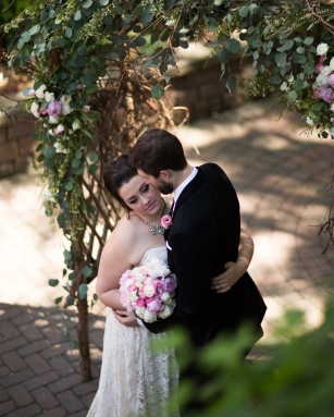joanna gail from Julia's House www.juliashouse.net #romanticwedding #springwedding #blushandwhitewedding #blushwedding #pinkwedding #pinkandwhitewedding #flowerarch #flowerarbor #weddingarch #weddingarbor #linolakesflorist