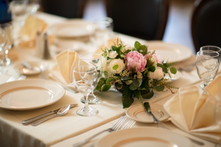 joanna gail from Julia's House www.juliashouse.net #pinkpeony #pinkcenterpiece #pinkandwhitecenterpiece #linolakesflorist #weddingtable #romanticwedding #lowpinkcenterpiece