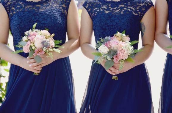 #pinkandnavy #navyandpink #blushwedding #blushandnavy #pinkandwhite #blushandwhite #linolakesflorist #springwedding