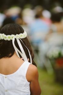 #flowergirlhair #flowercrown #daisychain #daisyhairpiece #linolakesflorist