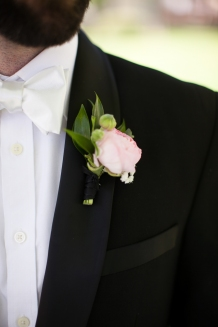 #linolakesflorist #pinkwedding #blushwedding #pinkboutonniere #ranunculusboutonniere